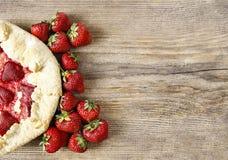 Fraises au goût âpre et crues de fraise Photographie stock