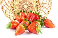 Fraises d'isolement sur les fruits blancs de nourriture de fond Image stock