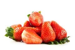 Fraises d'isolement sur les fruits blancs de nourriture de fond Photographie stock libre de droits