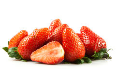 Fraises d'isolement sur les fruits blancs de nourriture de fond Photo stock