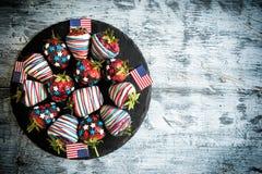 Fraises en chocolat avec la décoration des Etats-Unis Photos libres de droits