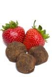 Fraises et truffes de chocolat Image stock