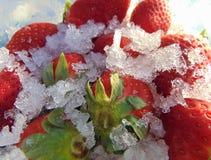 Fraises mûres en glace désir d'abstrait-secret, images stock