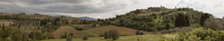 Frakcji Castelnuovo dell ` Osłabia zarządu miasta Montalcino frakcji Castelnuovo dell ` Osłabia zarządu miasta Montalcino Siena W zdjęcie stock