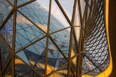 FRAKFURT NA magistrali NIEMCY, LISTOPAD, - 01,2016: Wnętrze MyZeil centrum handlowe w Frankfurt Ja ` s projektujący obok Obrazy Royalty Free