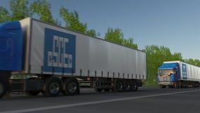 Frakta halva lastbilar med logoen för korporationen för teknik för Kina statkonstruktion som kör längs skogvägen Ledare 3D Royaltyfria Foton