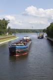 Fraktbåt i det stående funktionsläget Royaltyfri Bild