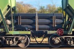 Fraktbilar av drevet Industriell transport av råvaror på järnvägar Tungt lastaffärstrans. royaltyfria bilder