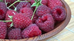 A framboesa saudável doce fresca de giro frutifica fundo vídeos de arquivo