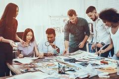 Frambring idén Färger för design Olika lopp arkivfoto