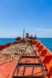 Framdel av den traditionella kambodjanska fiskebåten Arkivbilder