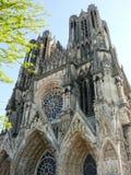 Framdel av domkyrkan av Reims arkivfoton
