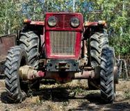 Framdel av en lantgårdtraktor Arkivfoto