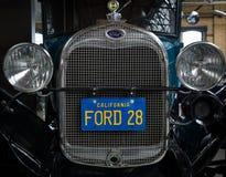 Framdel av oldtimeren Ford Model en sportkupé Arkivfoto