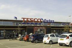 Framdel för Tesco supermarketlager Leigh större Manchester, U K royaltyfri fotografi