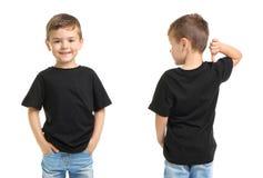 Framdel- och baksidasikter av pysen i svart t-skjorta arkivbild