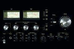 Framdel - panel av den ljudsignal maktförstärkaren arkivfoto