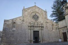 Framdelen av den Otranto domkyrkan Arkivfoton