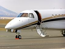 Framdelen av flygplankabinen, när parkera Royaltyfri Fotografi