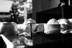 framdelen för fokusen för koppar för kaffekoppen har den drömlika att se det slappa fotoet Royaltyfria Foton