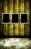Frame da foto na parede do grunge Fotos de Stock Royalty Free