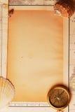 Frame dat van kaarten wordt gemaakt stock afbeeldingen