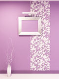 Frame de Epmty para a foto na parede violeta dicorative Fotografia de Stock Royalty Free