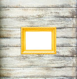Frame de retrato do vintage do ouro no fundo de madeira velho Fotos de Stock Royalty Free