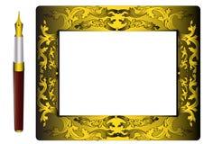 Frame e punho do ouro (en) com pena Foto de Stock Royalty Free