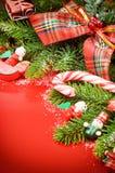 Frame met Kerstboom en uitstekende decoratie Stock Afbeeldingen