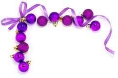 Frame violeta com esferas do xmas Fotografia de Stock Royalty Free