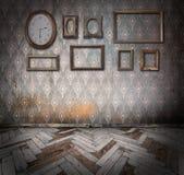 Frames e relógio vazios do vintage Foto de Stock