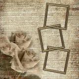Frames op de achtergrond van de grungeaantrekkingskracht met rozen Royalty-vrije Stock Foto's