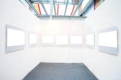 Frames vazios em um quarto Foto de Stock Royalty Free