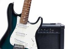 framför den elektriska gitarren för förstärkaren 3d Arkivbild