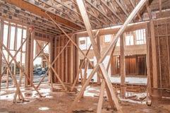 framför den moderna abstrakt ramen för konstruktion för byggnad 3d former Fotografering för Bildbyråer