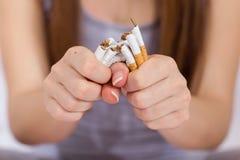framförd anti bild som 3d avslutas rökning Arkivfoto