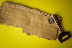 FRAMGÅNG som ÄR BEGREPPSMÄSSIG med det lantliga bruna brädet och tangent arkivbilder