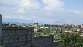 Framkallande bostads- byggnader, Conakry, Guinea lager videofilmer