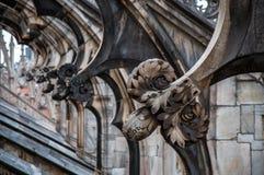 Frammento del tetto decorato della cattedrale di Milano, Italia immagine stock libera da diritti