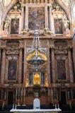 Frammento dell'interno della chiesa cattolica Fotografia Stock