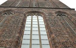 Frammento della facciata della costruzione Basilica della nostra signora di cielo in Zwolle i Paesi Bassi immagine stock libera da diritti