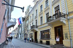 Frammento della via in Citt? Vecchia - la parte antica di Pikk di Tallinn immagini stock