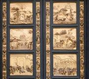 Frammento delle porte del battistero della cattedrale di Firenze Fotografie Stock