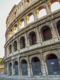 Frammento di Colosseum in Italia immagine stock