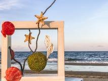 Frammento di paesaggio di un posto per resto su una spiaggia sabbiosa vicino ad Odessa, Ucraina Fotografia Stock Libera da Diritti