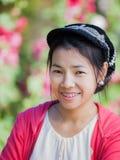 Framsida av den härliga asiatiska kvinnan Arkivbilder