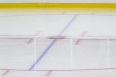 Framsida-avcirkel på en ishockeyarena Arkivbilder