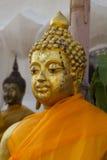 Framsidan av Buddha på Wat Phra That Doi Kham Chiang Mai, Thailand Royaltyfri Fotografi