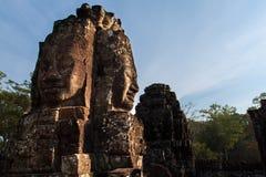 Framsidan av den Bayon templet Arkivbilder